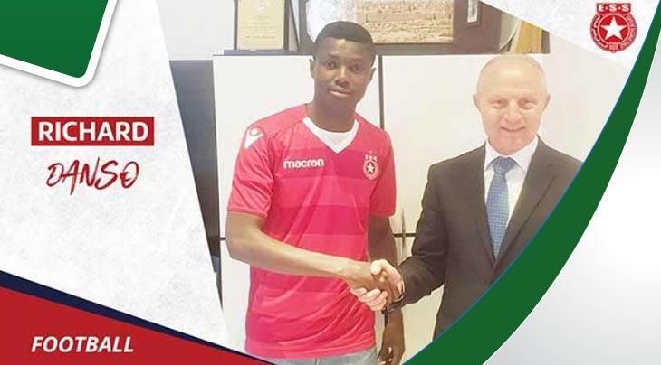 النجم الساحلي يختطف لاعبا من النادي الافريقي