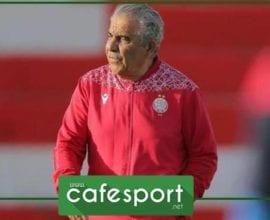 فوزي البنزرتي يرفع لقب البطولة المغربية